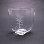 6 Wave Presentation VaseThis glass vase has a unique wave design. Free set-up and etching!SPECIAL CLOSE-OUT PRICE!  OFFER GOOD WHILE SUPPLIES LAST.Call 800-830-3386 to buy now!